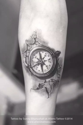 Compass tattoo tattoos in mumbai tattoo tattoos alienstattoos alienstattoo sunnybhanushali mumbaitattoo compass compasstattoo map worldmap bodyart gumiabroncs Image collections