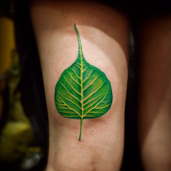 realistic leaf tattoo